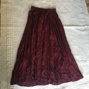 Vintage burgundy maxi skirt. Peasant skirt.